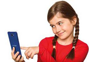 Clempad ClemPhone 7 selfie
